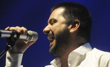 Jorge Rojas abre el Festival de Folklore en el Agua