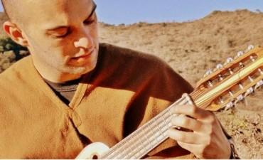 Joaquín López lanza su álbum debut