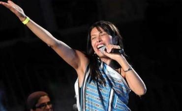 Roxana Carabajal y dúo Coplanacu en Las Termas