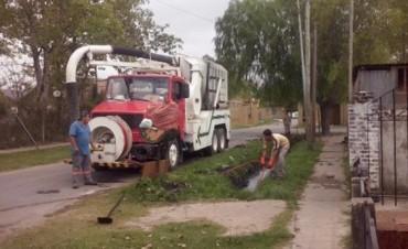 Limpieza de desagües y tareas de pintura vial en Troncos del Talar
