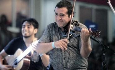 Garnica propone una fiesta en el Kónex bajo la Lunita del violinero