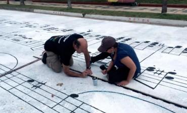 """Pintaron una partitura de """"La Cumparsita"""" en una calle uruguaya"""