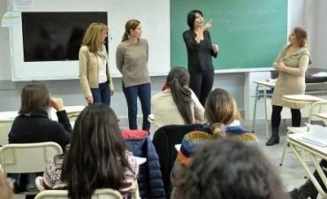 Más empleados municipales de Tigre aprenden lenguaje de señas