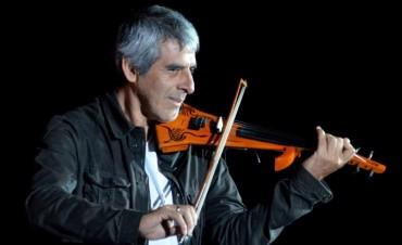 Peteco Carabajal se presento en la Maison de l'Argentine de París