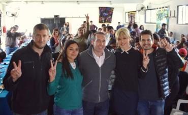 Sergio Szpolski y Karina Rabolini reconocieron el trabajo de 30 murgas del distrito