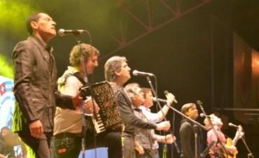 Sublime actuación de Los Alonsitos en conjunto con Los Nocheros en la Fiesta Nacional del Inmigrante.