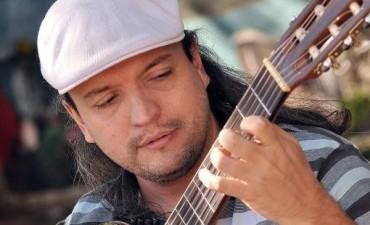 Coqui Ortiz musicaliza coplas de Aledo Meloni
