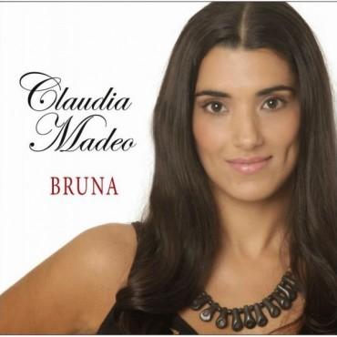 El folklore argentino se ve representado por esta joven cantante