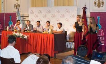 Presentaron en Salta la tradicional Serenata a Cafayate