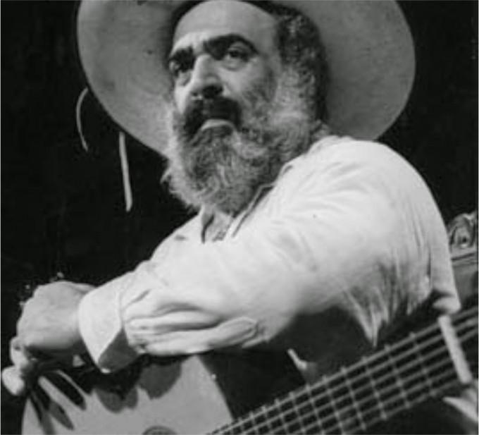 El recordado cantor popular Jorge Cafrune tendrá su escultura en Cosquín