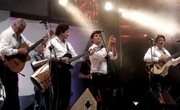 Los Carabajal y Bebe Ponti presentarán la Cantata Santiagueña en Cosquin