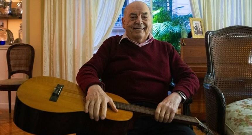 El folclore argentino llora la muerte de Juan Carlos Saravia, el primer y último de Los Chalchaleros