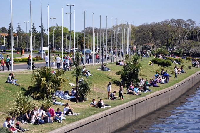 Domingo algo nublado y una máxima de 31 grados en la ciudad de Buenos Aires y alrededores