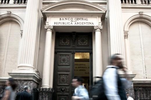 Cristina, Kicillof y Vanoli, citados a indagatoria por la venta de dólar futuro