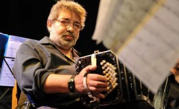 Julio Pane presenta su primera orquesta típica en Café Vinilo