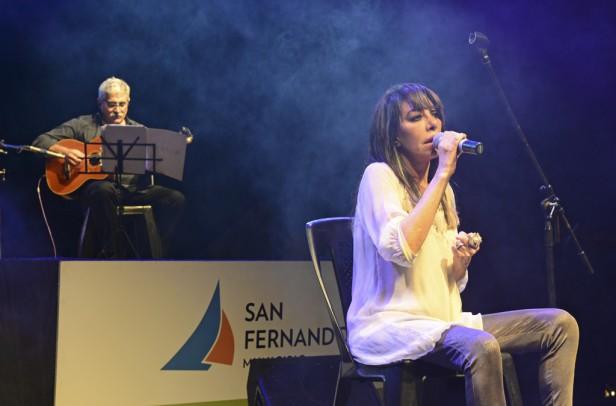 """San Fernando celebró el Día Internacional de la Mujer con Adriana """"La Gata"""" Varela"""