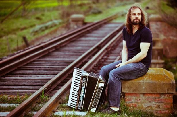 El Chango Spasiuk dice que la música de raíz transmite esperanza