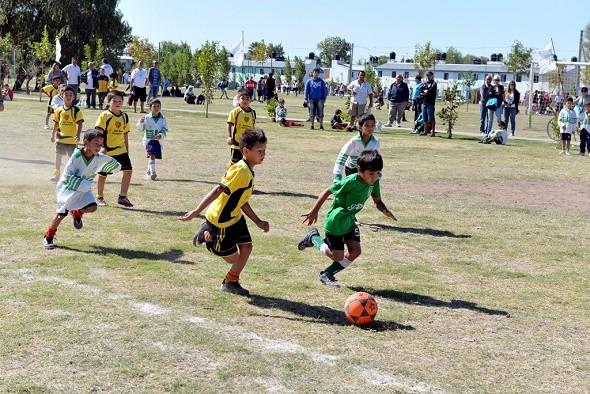 Más de 1500 chicos inscriptos en la Liga de fútbol infantil