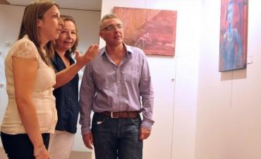"""El HCD de Tigre exhibe la muestra """"Billetes de Género y Esencia Femenina"""""""