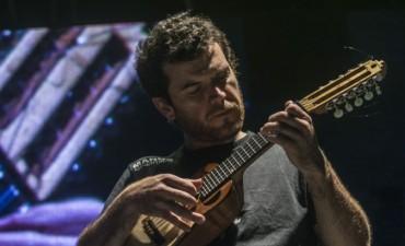 El cantautor jujeño Pachi Herrera presenta Variablemente su primer trabajo discográfico como solista