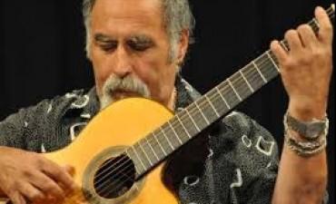 Con disco de tributo a Chabuca Granda, Juanjo Domínguez inauguró ciclo en el Tasso