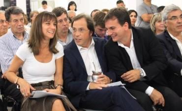 Malena junto a Guistozzi en la Mesa de Educación de la Provincia de Buenos Aires