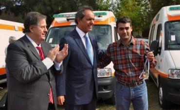 Scioli entregó una nueva ambulancia para el Hospital provincial de Pacheco