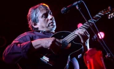 Homenajearán a Peteco Carabajal y a Horacio Banegas en Santiago del Estero