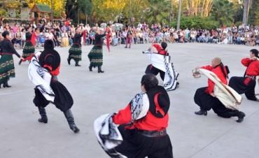 La tradición, a través del folclore llega a las plazas de Tigre