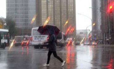 El sábado seguirá lluvioso, al menos hasta la tarde o noche