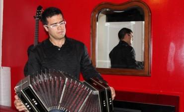 El bandoneonista Juan Pablo Jofré presenta