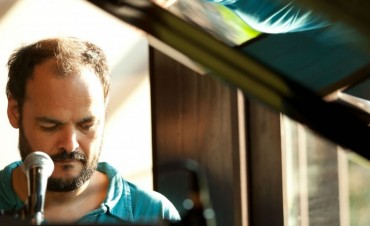 """El piano del """"Negro"""" Aguirre se multiplica en tres noches en Vinilo"""