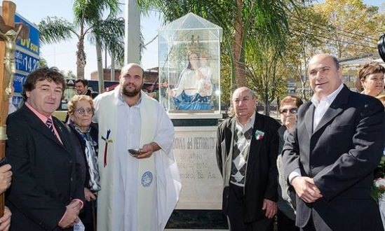 Homenajearon a la Virgen Del Pettoruto en San Isidro