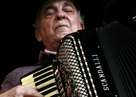 El acordeonista y cantante brasileño Luis Carlos Borges se presentará en el Tasso