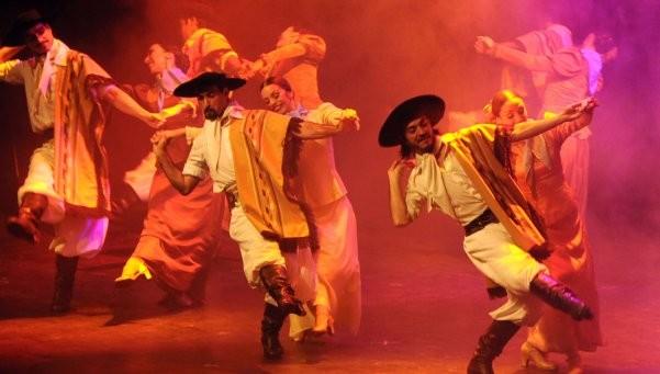 El Ballet Folclórico Nacional presenta Bodas de Plata en el Cervantes