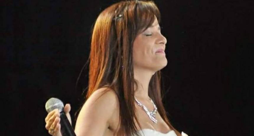 Disco de oro para Belén Steingold en el Festival internacional de la canción de Las Vegas