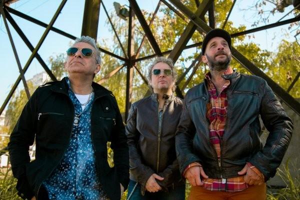 """Los Tipitos rinden homenaje al folclore en su álbum """"De mi flor"""""""