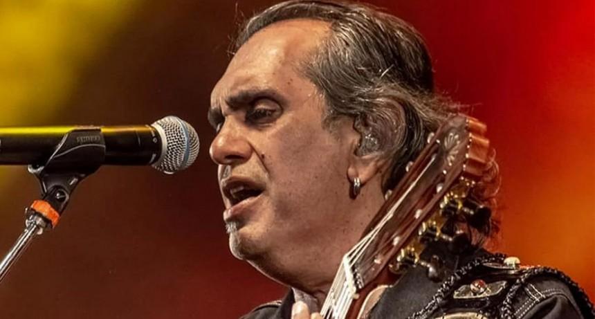Mario Teruel anunció que se aleja de Los Nocheros hasta que se defina la situación judicial de su hijo