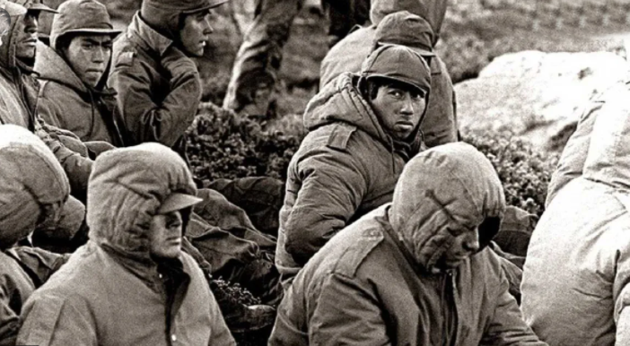 Se reabre el debate sobre si son delitos de lesa humanidad las torturas a soldados en Malvinas