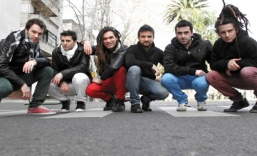 Banda rosarina trae su folklore urbano al barrio de Abasto