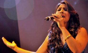 Florencia Paz canta