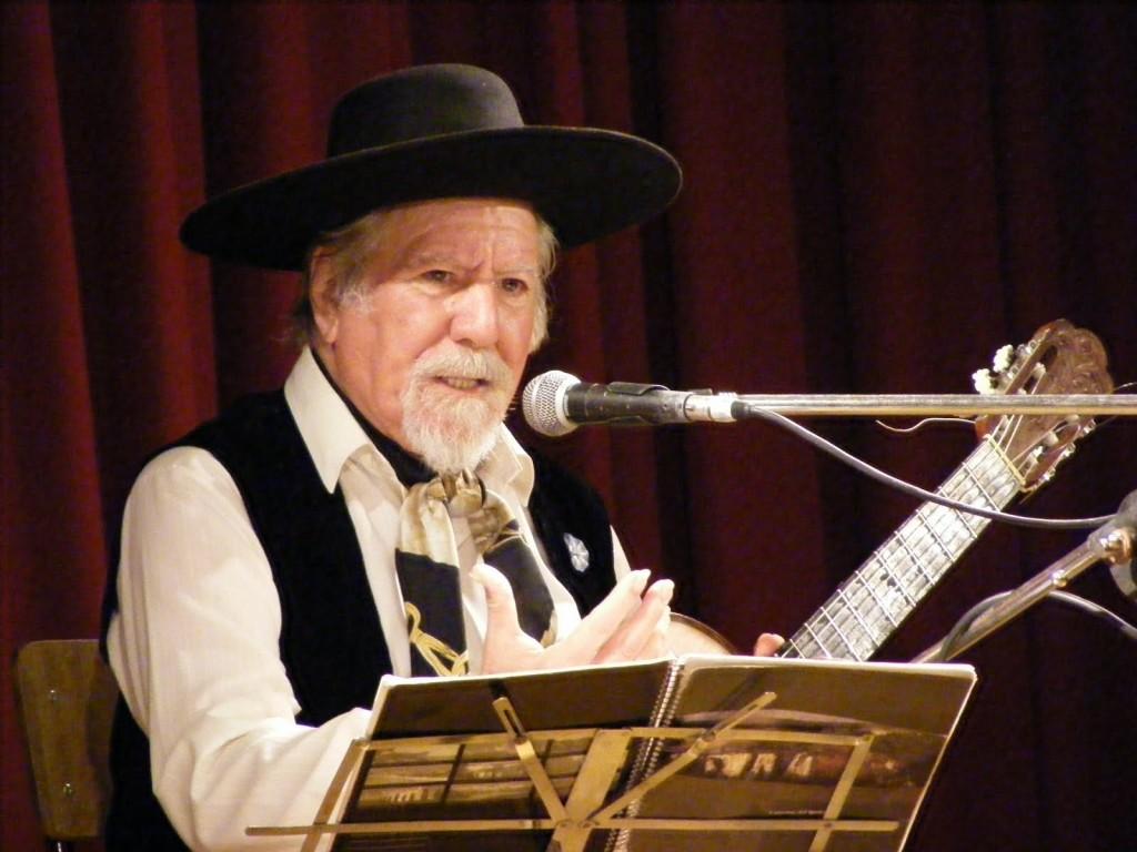 El 4 de junio de 1931 nace el Cantor, guitarrista y compositor Víctor Francisco Velázquez