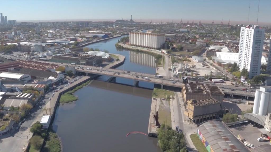 Estiman que en 2023 finalizarán tres obras que aliviarán la contaminación de la Cuenca del Riachuelo