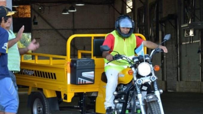 Entregan en Concordia motos para los carreros