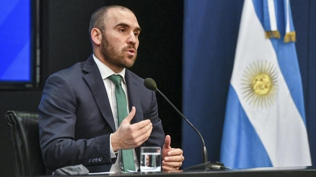 Guzmán viaja a Italia para una reunión de ministros de hacienda y negociaciones con el FMI