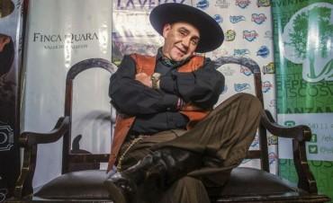 """Chaqueño Palavecino: """"Ya nos han invadido, pero hay que luchar con las armas de nuestro folclore"""""""
