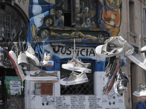 Buscan convertir en centros de memoria a Cromañón y al taller textil de Luis Viale