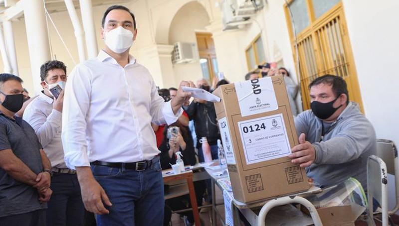 Valdés gana la reelección en Corrientes con más del 75% de los votos