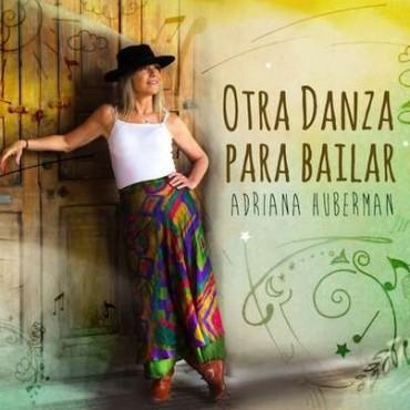 Noche a puro folklore con Adriana Huberman en Hasta Trilce