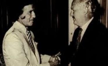 Aseguran que Niembro desvió fondos cuando era funcionario de Menem